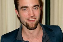 robert-pattinson-pizzetto-uomo-classic-goatee-1